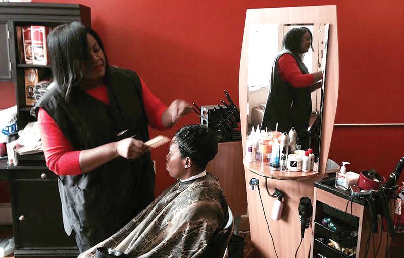 Hairdresser Gives Market Street Community A Makeover The Blue Banner